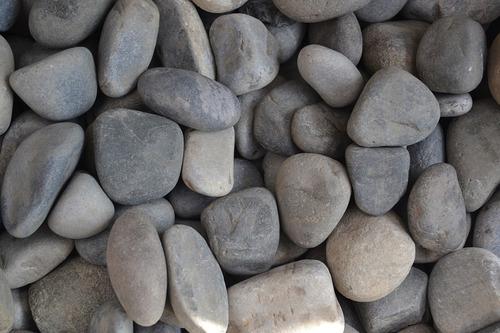 piedra de río gris 1.5 pulgada (50 kg)