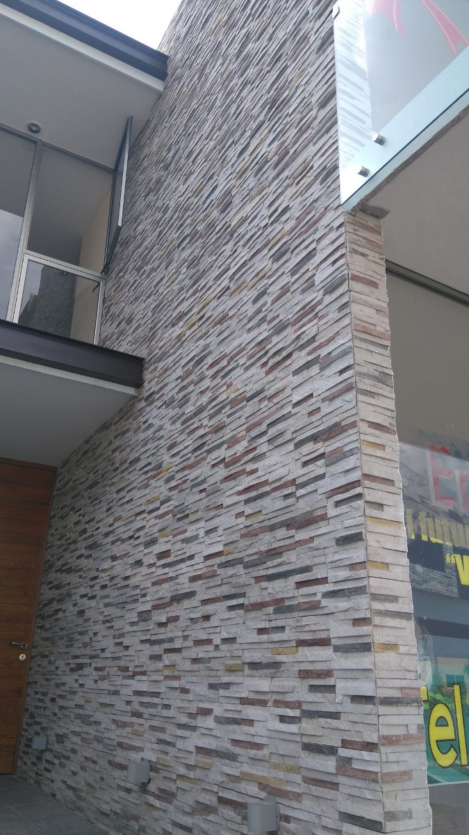 Piedra fachaleta para muros interiores o exteriores precio for Piedra para muros interiores