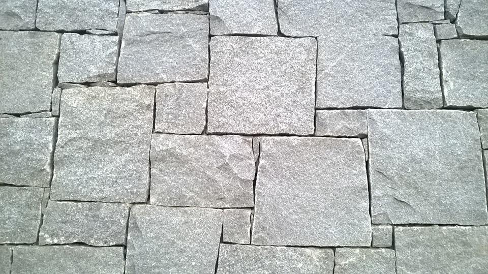 Piedra granito r stico escuadrado gris industria uruguaya for Granito en piedra