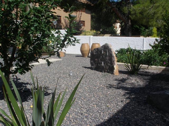 Piedra gris para jardin ciudad de la costa solymar - Piedra para jardineria ...