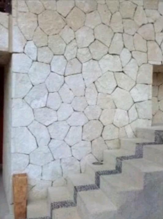Piedra laja blanca galarza rustico entrega inmediata for Piedra para muros interiores