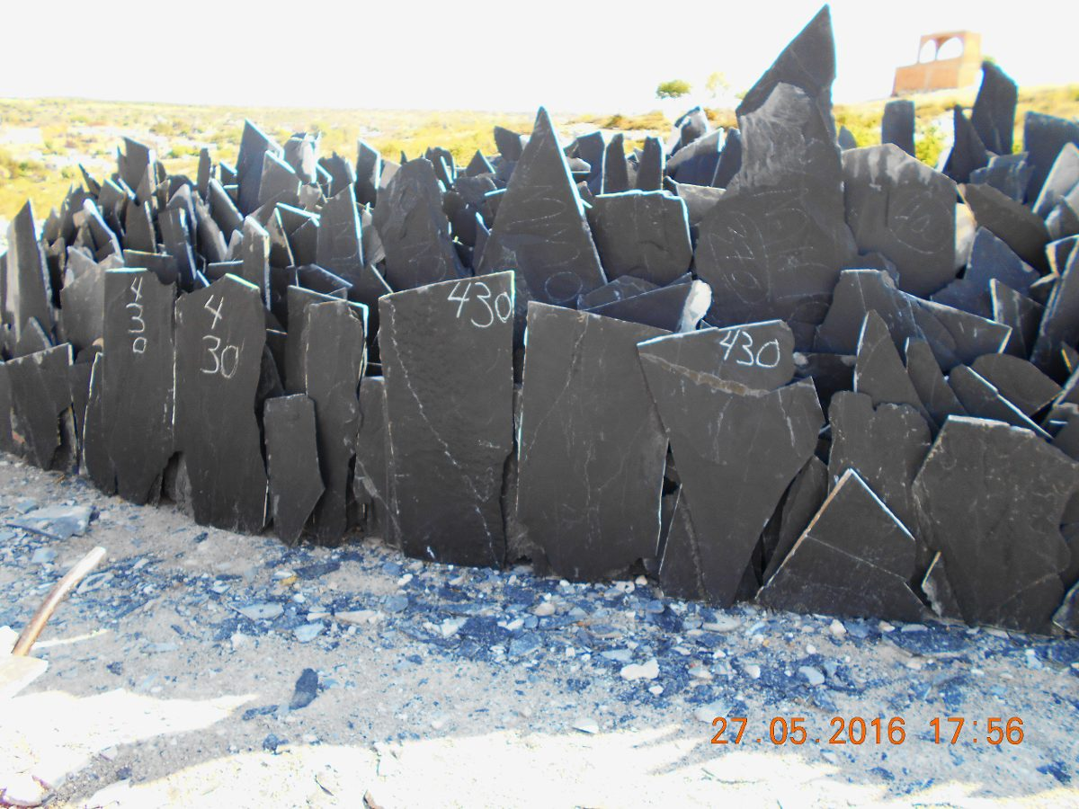 Piedra laja negra para fachada y piso en mercado for Donde buscar piso