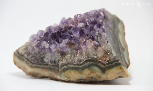 piedra mineral drusa de amatista pieza de colección