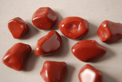 piedra mineral jaspe rojo rolado nro. 1