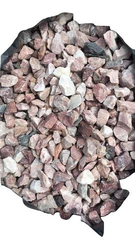 piedra partida rosada 14 a 20 mm aprox solo por metro cúbico