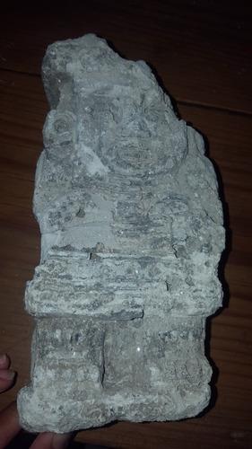 piedra prehispanica, encontrada al cavar pozo
