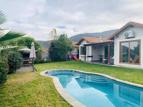 piedra roja / / casa chilena 1 piso / / piscina / / terraza techada / / muy bien cuidada por los dueños