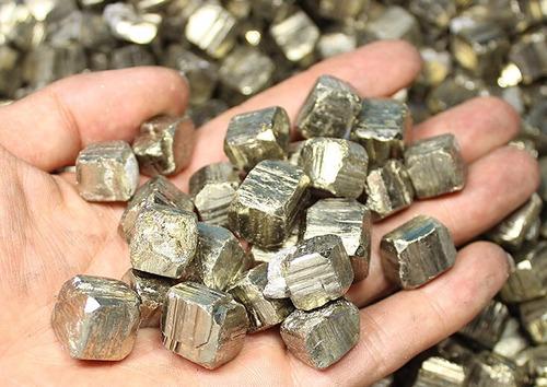 piedras de cuarzo pirita o piedras de la fortuna y el dinero