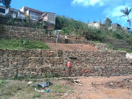 piedras de gaviones , construcción de muros