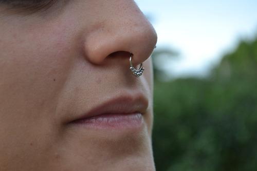 piercing de acero quirurgico falso septum.-