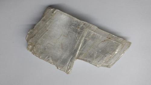 pieza de yeso selenita  transparente