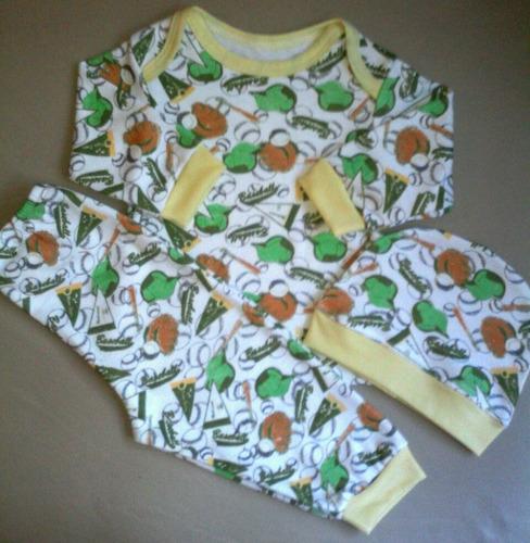 pijamas para bebe  tallas 0/3 y 3/6 meses.