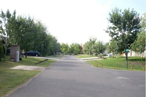 pilar casa en barrio cerrado a estrenar los potrillos