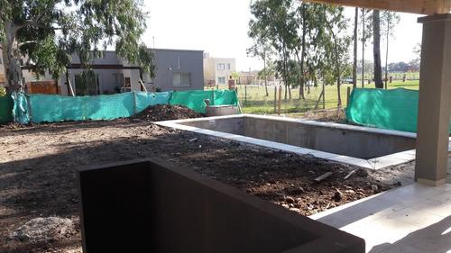 pilar del este, san eduardo casa 4 ambientes con piscina