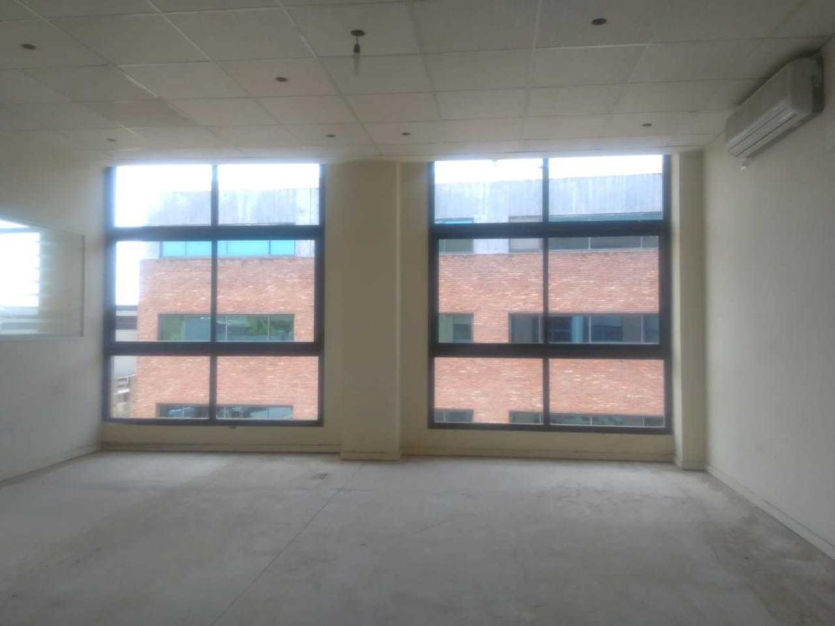 pilar,alquiler amplia oficina de 72m2 office park norte
