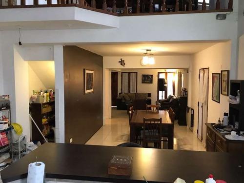 pileta 3 o 4dorm/escr garage x2 ideal vivienda /negocio o ambos enorme !