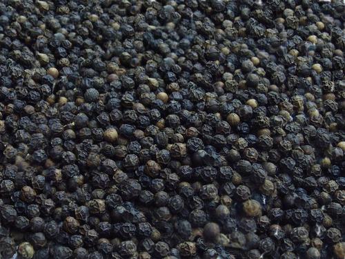pimenta do reino preta em grãos pacote 500gramas.....
