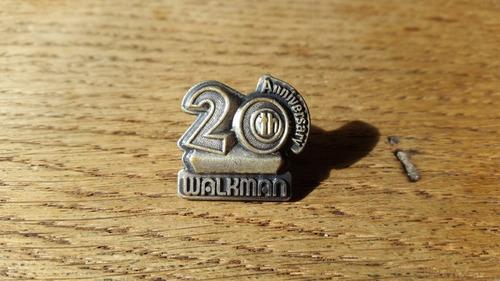 pin aniversario 20 años antigua radio walkman sony