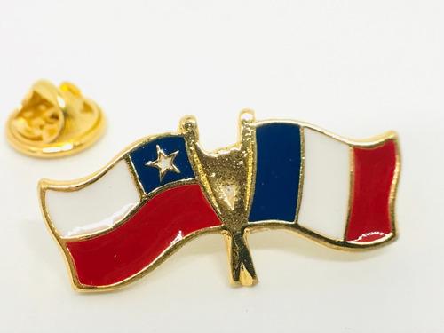 pin bandera chile y francia entrelazadas