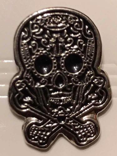 pin calavera