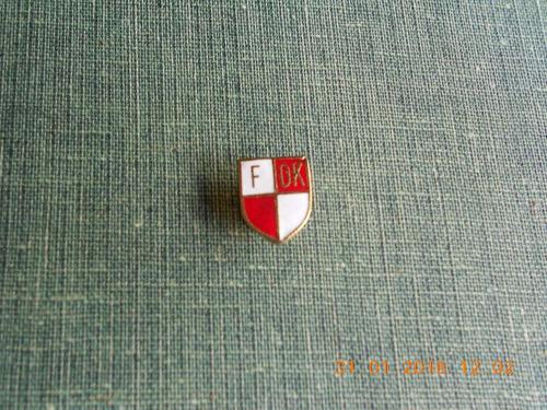 pin esmaltado de la fundacion otto krause