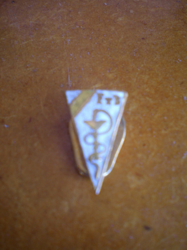 pin prendedor solapero esmaltado de farmacia y bioquimica