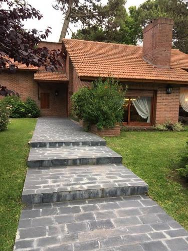 pinamar, casa estilo chalet tradicional, visitela!