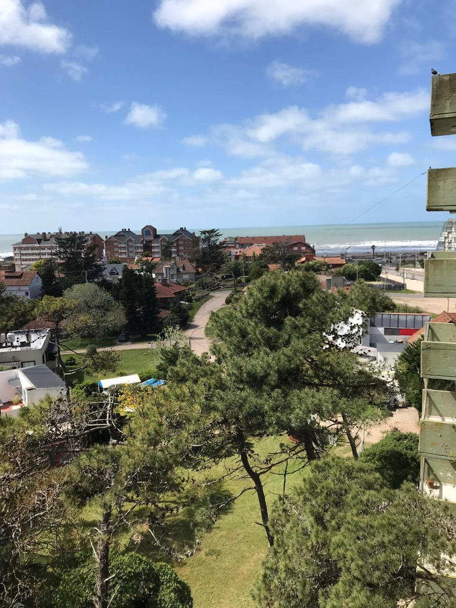 pinamar centro depto 2 amb. con balcones y vista al mar
