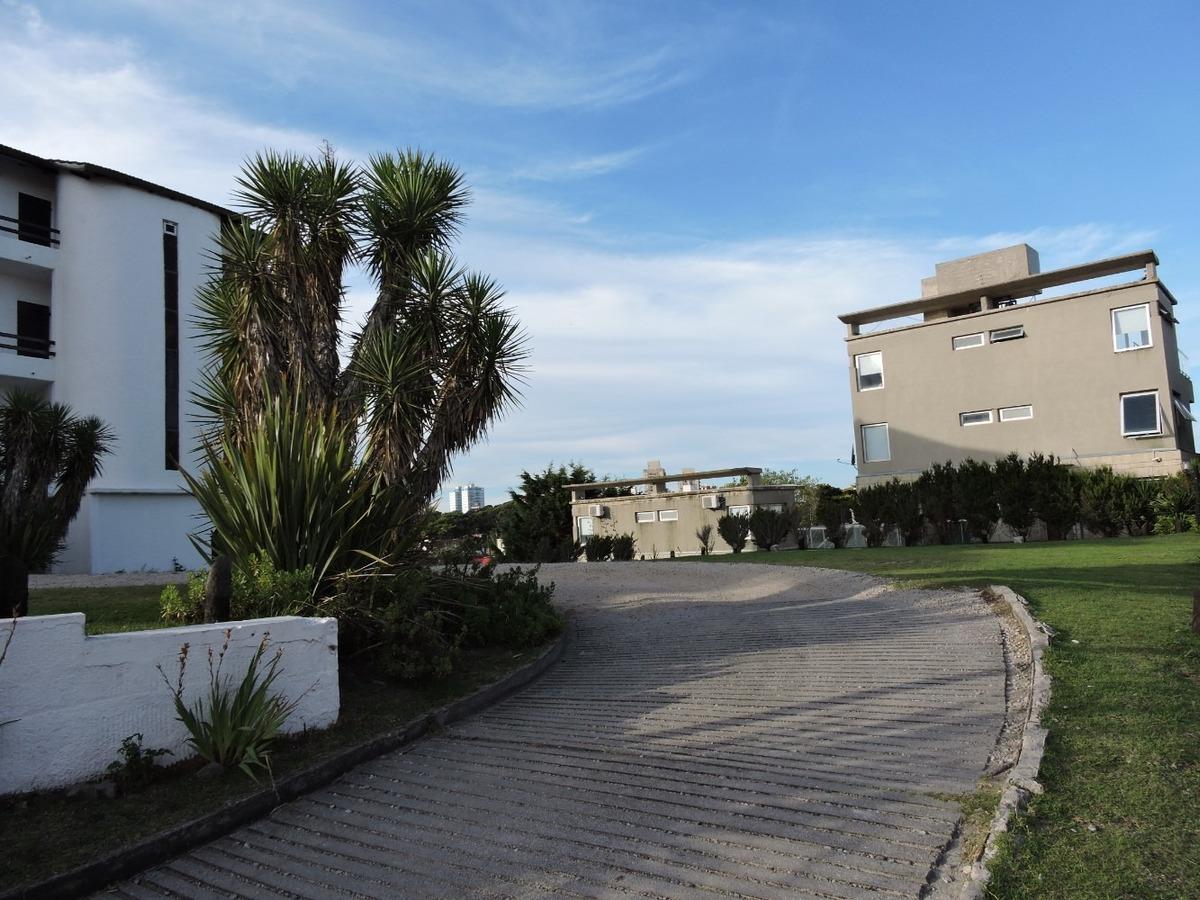 pinamar :departamento al frente  vista  al mar