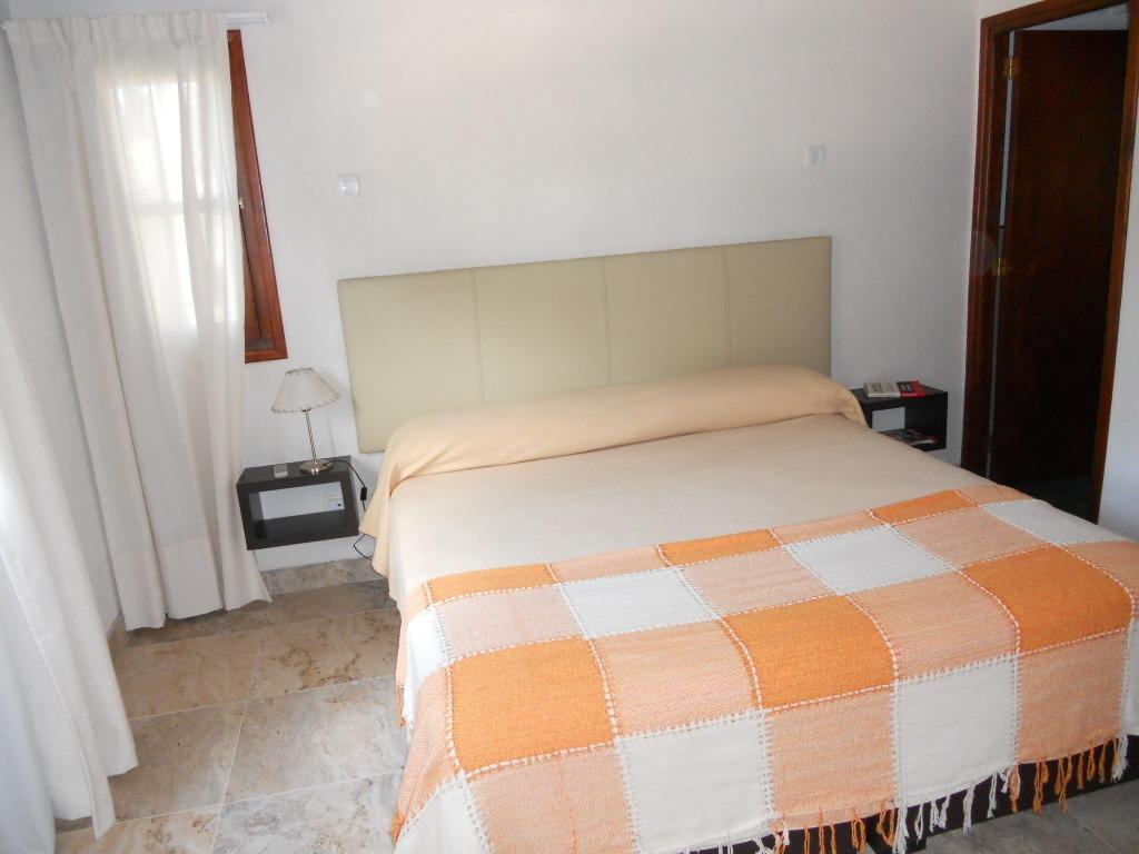 pinamar zona norte 5 dormitorios. impecable