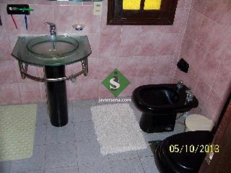pinares, 4 dormi, 2 baños, solida casa.- ref: 44199