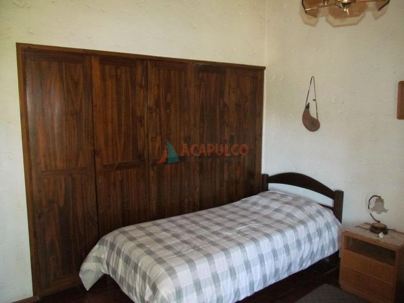 pinares - 7 dormitorios - piscina-ref:2328