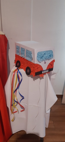 piñata camioneta vintage