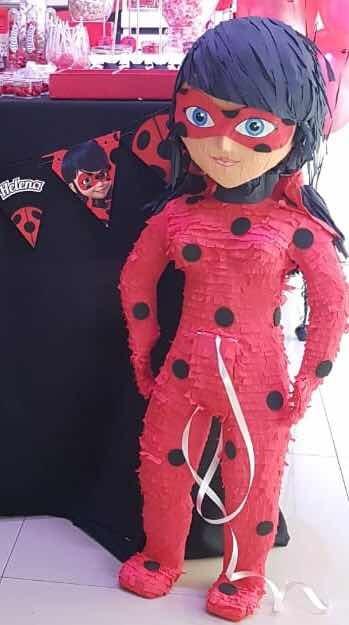 Miraculous ladybug pinata Feesten, speciale gelegenheden Huis