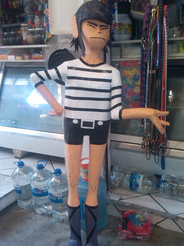piñatas de personajes de tv y movies