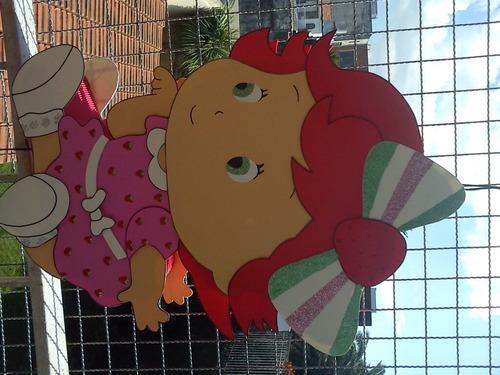 piñatas en goma eva, frutillitas bebe, minnie roja