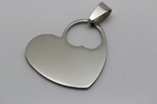 pingente aço cirúrgico aço 316l  coração vazado 25x30