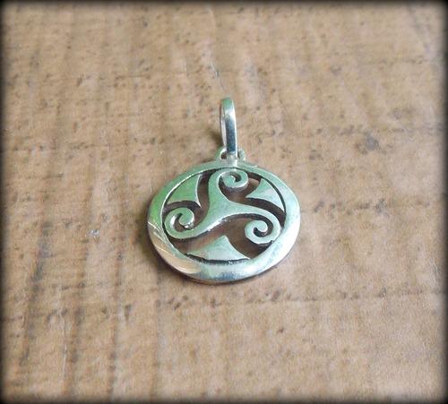 pingente celta triskelion triskle goddess prata 2,2 g opç 01