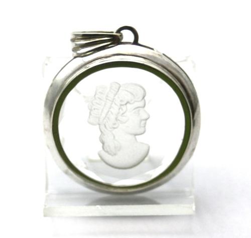pingente com imagem de madona em prata 925