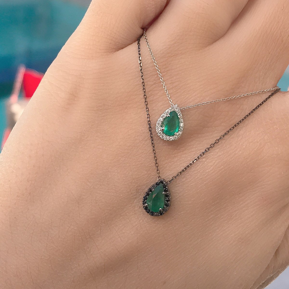 pingente + corrente ouro 18, esmeralda e diamantes naturais. Carregando  zoom. d0ddd19104