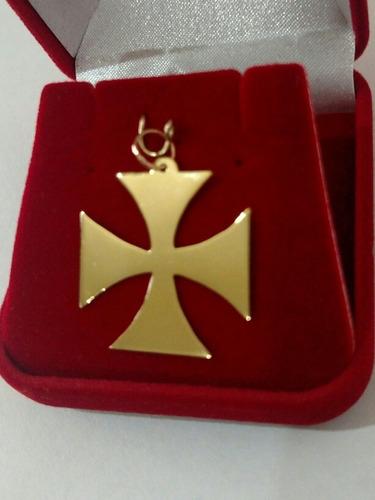pingente cruz de malta em ouro 18k + certificado