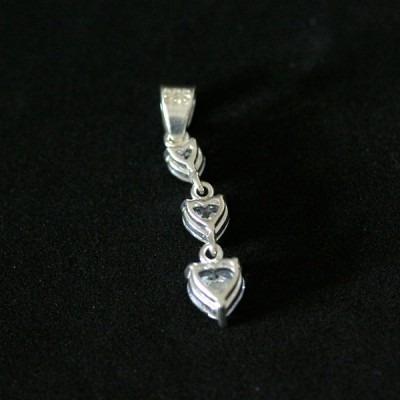 pingente de prata 925 3 corações com pedras de zircônia