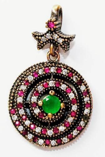 pingente de rubis, esmeralda e zircônias
