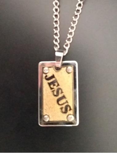 pingente jesus inox com dourado