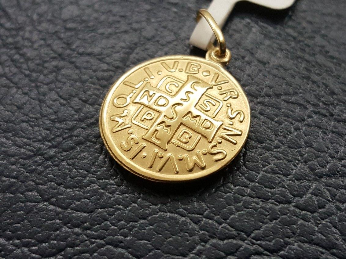 52c2fe36f7d21 pingente medalha ouro 18k cruz de são bento (promoção!) Carregando zoom.