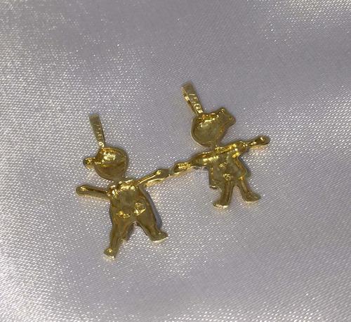 pingente menina e menino de ouro amarelo e branco 18k