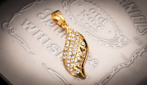 pingente p/ corrente aço inox j-311 banhado ouro brilho