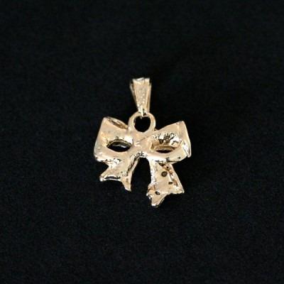 pingente semi jóia folheado a ouro laço com pedras de zircô