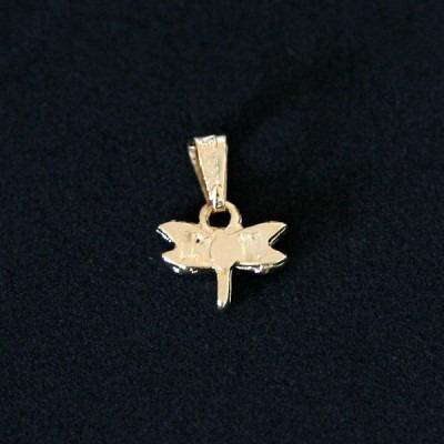 pingente semi jóia folheado a ouro libélula