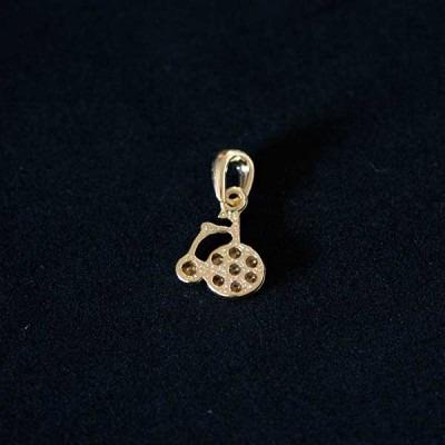 pingente semi jóia folheado a ouro triciclo com pedras de z